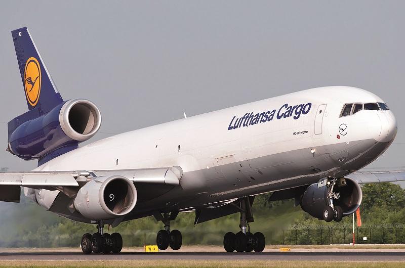 lufthansa-cargo-mcdonnell-douglas-md-11f_04