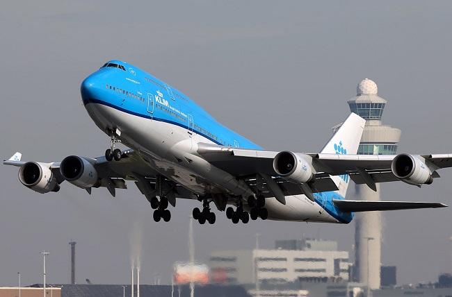 KLM-747-406-Combi-take-off-AMS